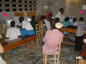 Le premier laboratoire informatique du CER (2004)